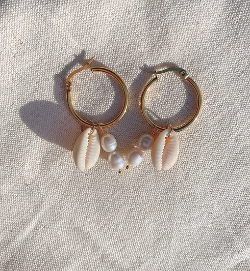 Shells And Pearls Gold Hoop Earrings