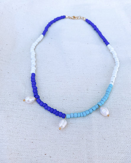 Blue And White Beaded Necklace With Pearls