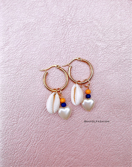 Shells And Hearts Gold Hoop Earrings