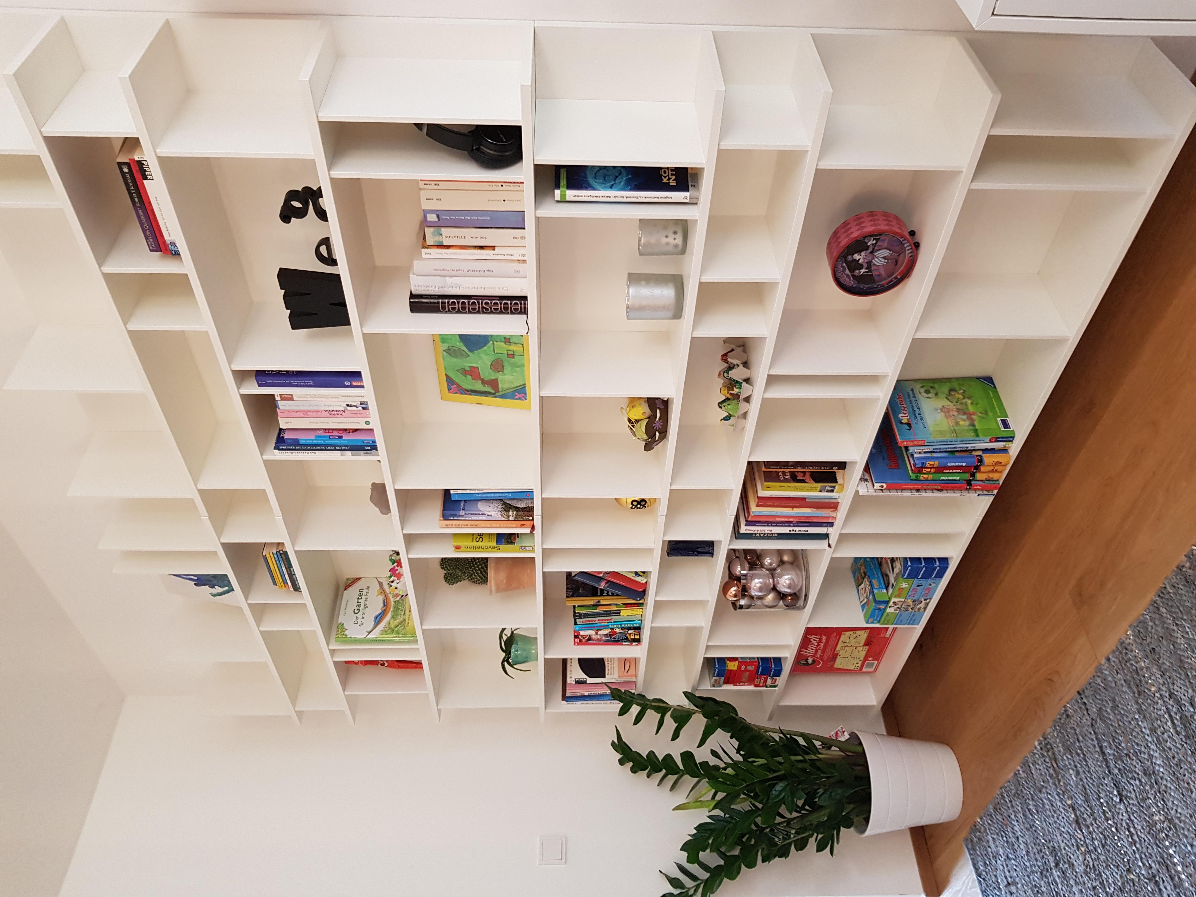 Bibliothek Familie HL