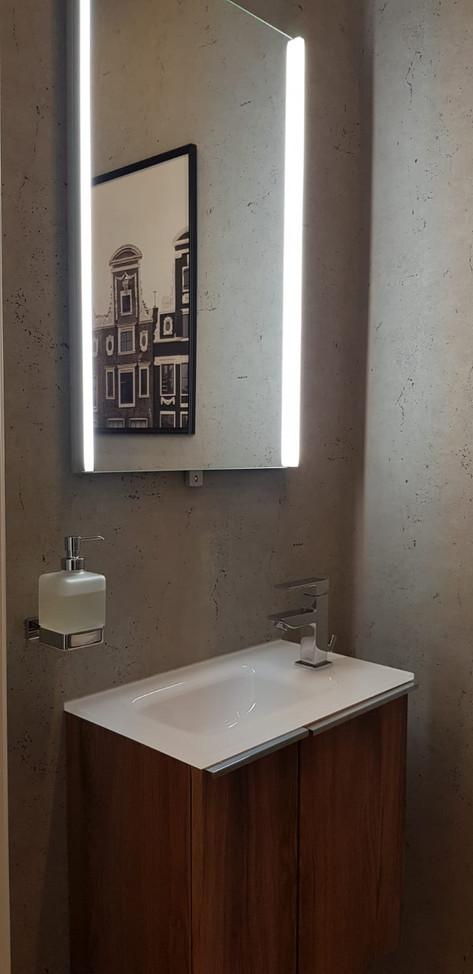 Bathroom Modern industrial bachelor's apartment in 1180 Wien.