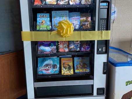 Hubbard Elementary School unveils vending machine that dispenses books