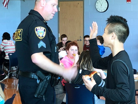 Hubbard Schools welcomes resource officer to the district