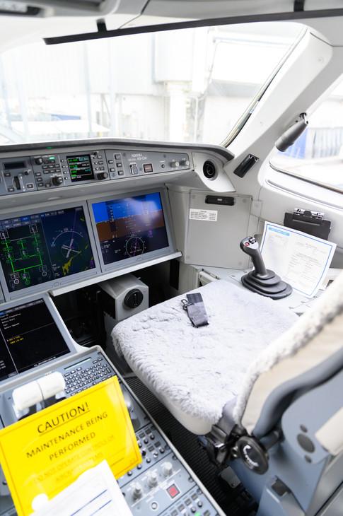 Cockpit (Vertical)