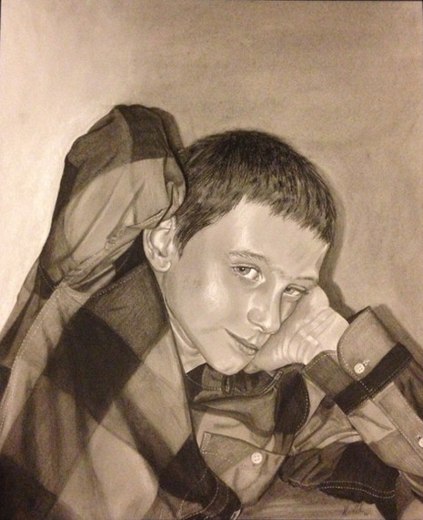 Aivyn in Charcoal