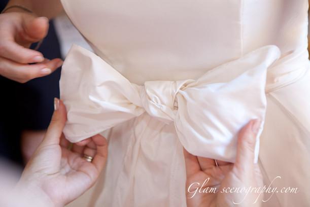 cura del dettaglio. assistenza per la sposa