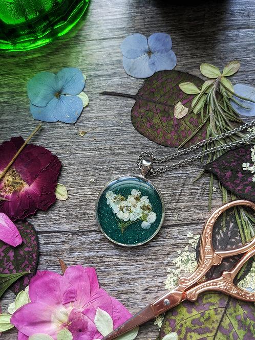 Dreamland Necklace - Bridal's Wreath
