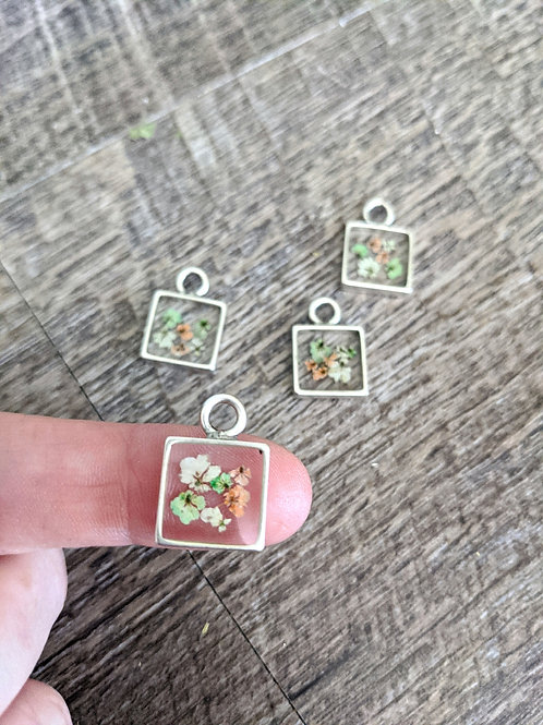 Tiny Pressed Colored Queen Anne's Necklace