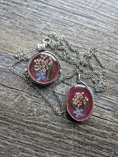 Cranberry Queen Anne's Lace Necklace