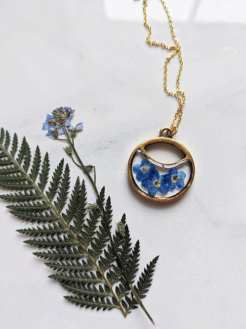 Pressed Forget-Me-Not Split Round Gold Pendant