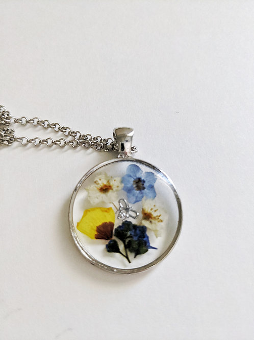 Bee Beautiful Pressed Flower Necklace