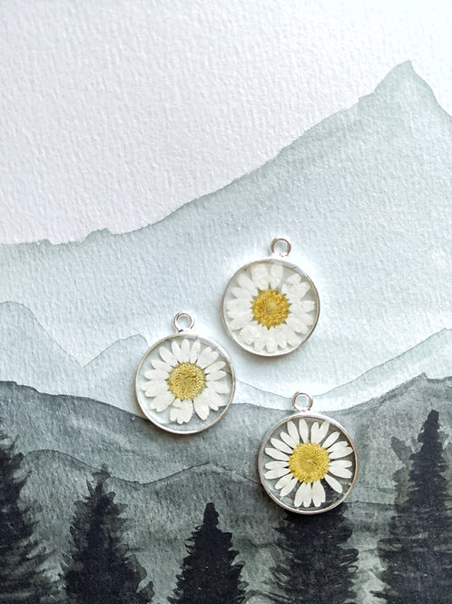 Daisy Silver Round Necklace