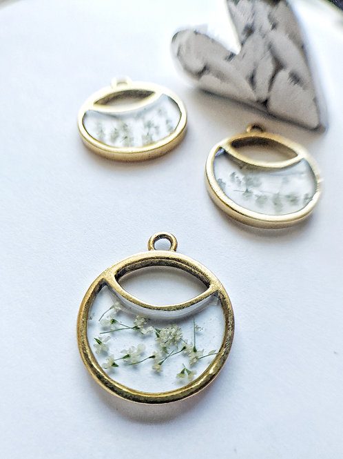 Tiny Queen Anne's Lace Split Round Necklace