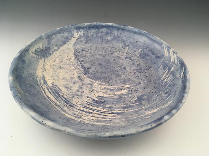 Gros plat bleu et blanc