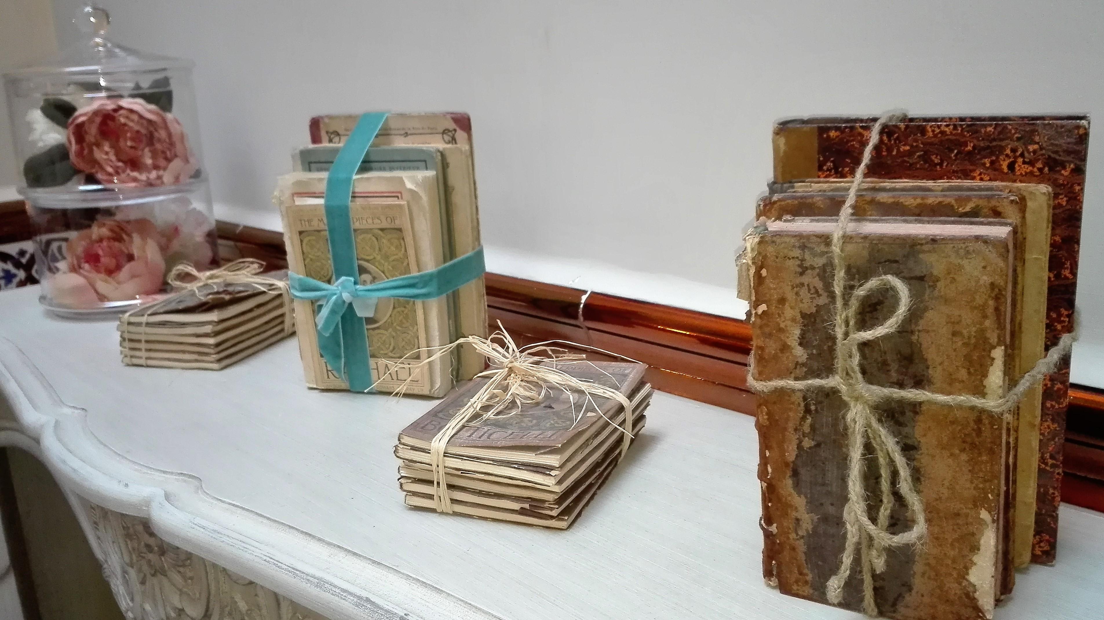 Libros en chimenea