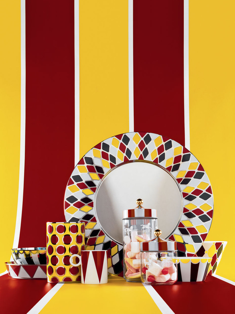 0002_Circus_composition_phWanders2_300dp