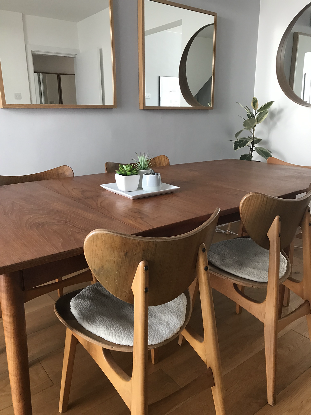 Mid century modern dining table and chairs dining room