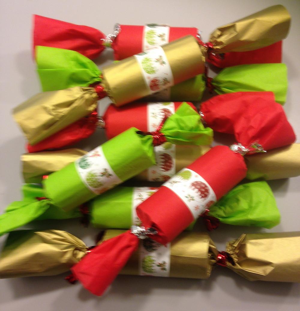Christmas cracker tissue paper home made craft idea