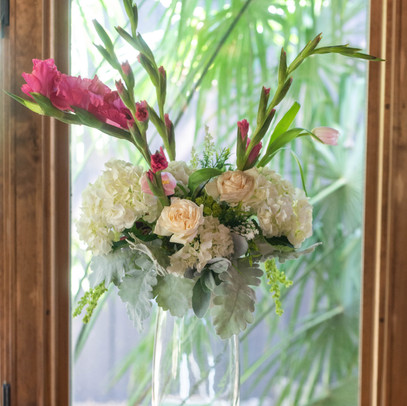 Making tall striking arrangements with the  Koo-toore-a is easy while looking like you spent a fortune!