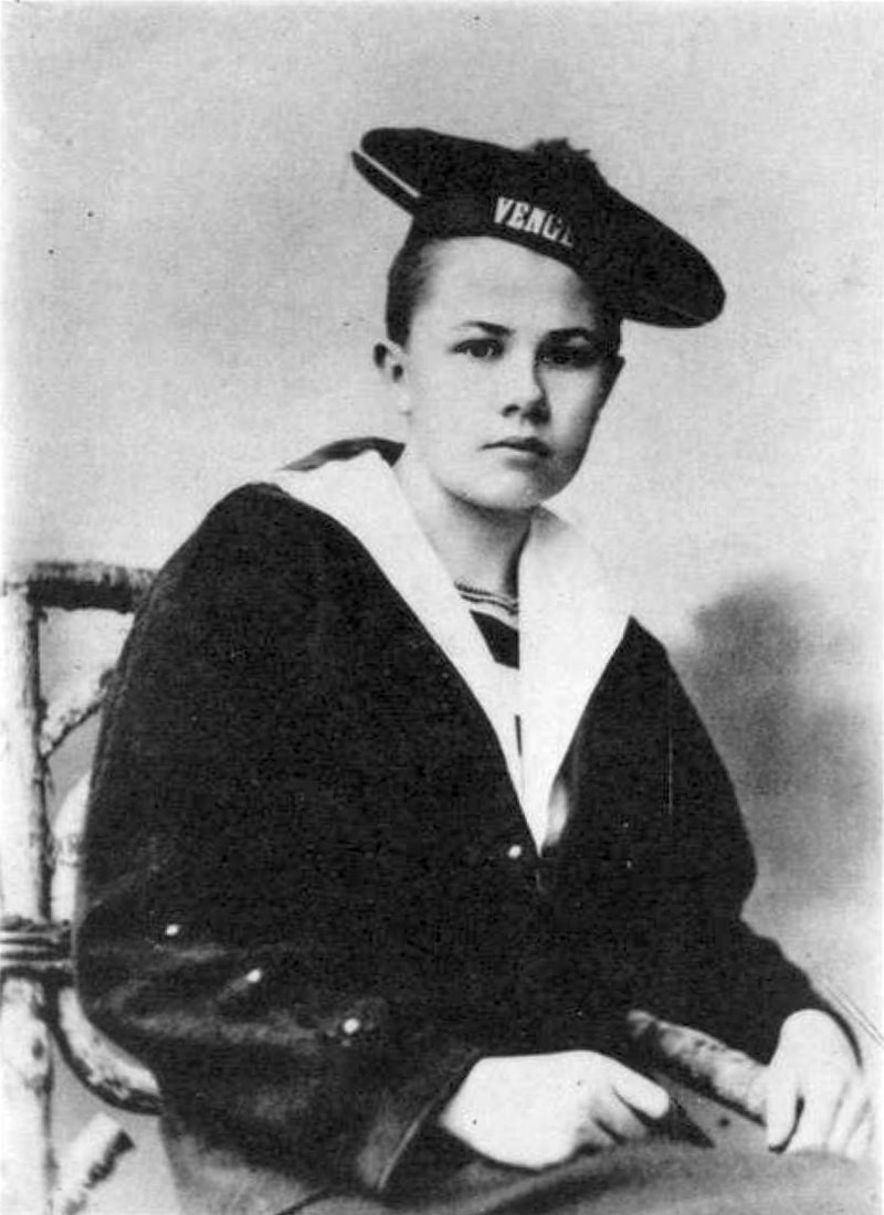 Isabelle Eberhardt, a young female explorer, poses in sailor's clothing