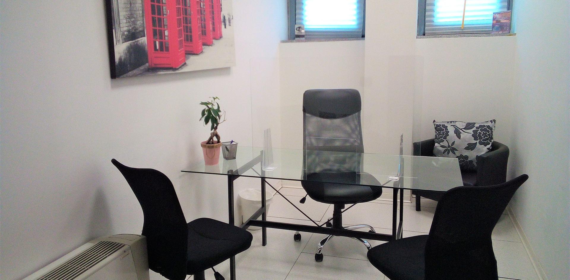ufficio emporaneo Coworking New Work Bollate.jpg