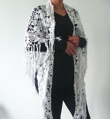 Châle blanc au crochet
