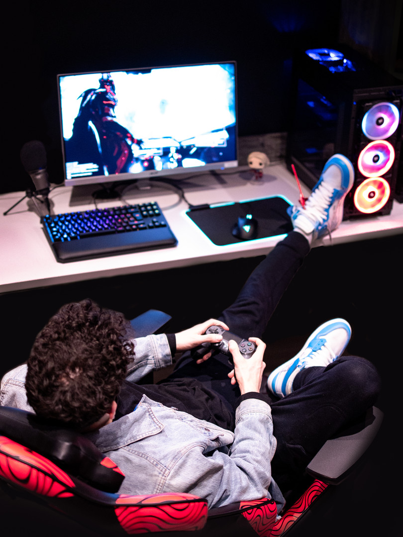 Gaming Alex (13 of 27).JPG