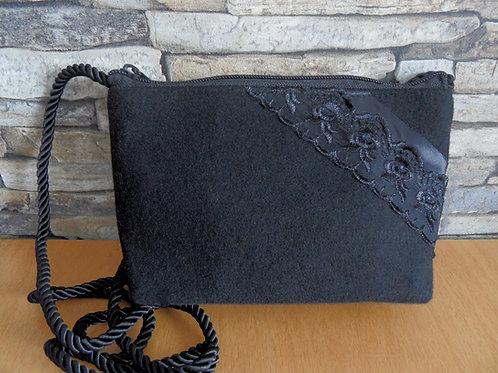 Kordel-Tasche mit Spitze diagonal