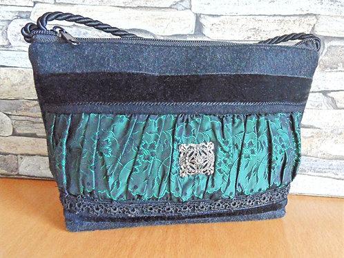 Kordel-Tasche mit Trachten-Seide, Bänder, Brosche