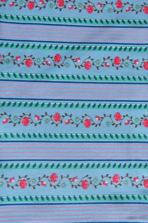 hellblau, bedruckt in grün-rosa-pinkrot-moosgrün-weiß