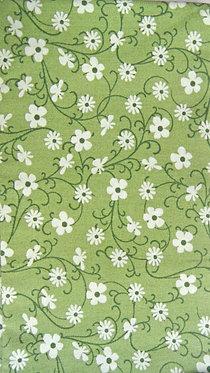 dunkles Lindgrün, moosgrün und weiß bedruckt