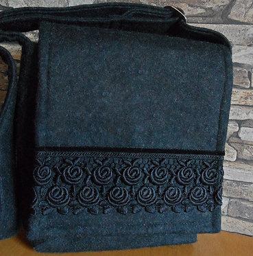 Riemen-Tasche mit Klappe anthrazit, mit Rosenspitze 2-reihig