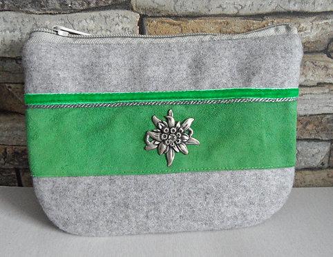 Dirndl- oder Gürtel-Tascherl weißgrau, mit Apfel-grünem Echt-Leder und Edelweiß