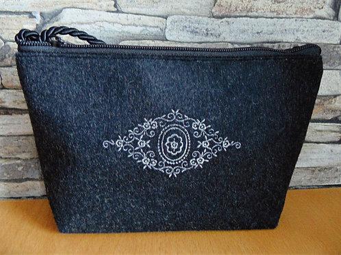 """Kordel-Tasche  mit Ornament-Stickerei """"Spitz-Raute"""""""