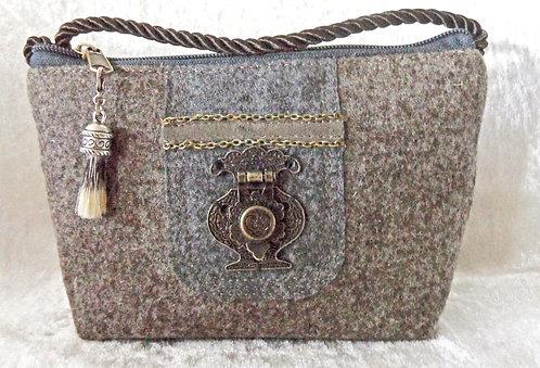 Kordel-Tasche braun-grau mit Metall-Teilen