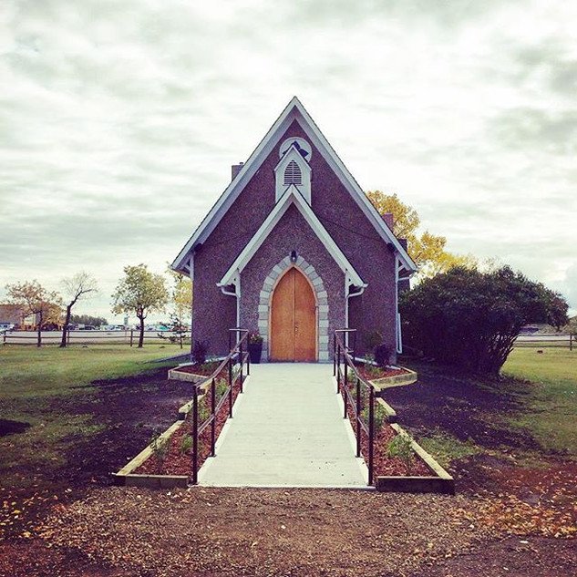 Emmanuel Anglican Church in Gibbons Albe