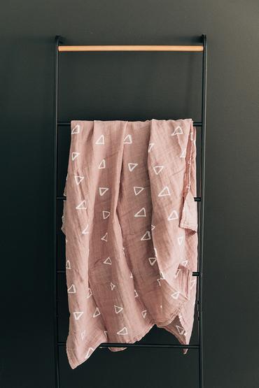 Mebie Baby Mauve Triangle Muslin Swaddle Blanket