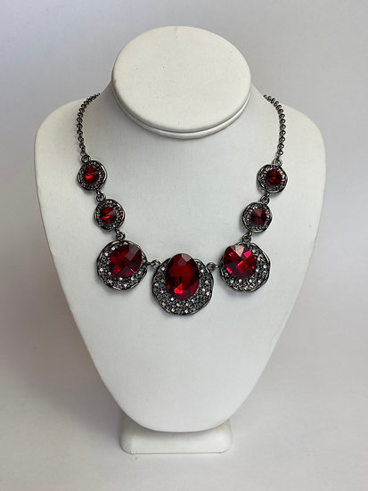Attention Please Red Stone Necklace