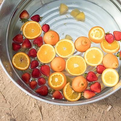 Pineapple Fruit Bath