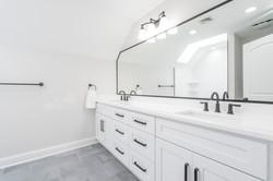 Hallway Bath 1