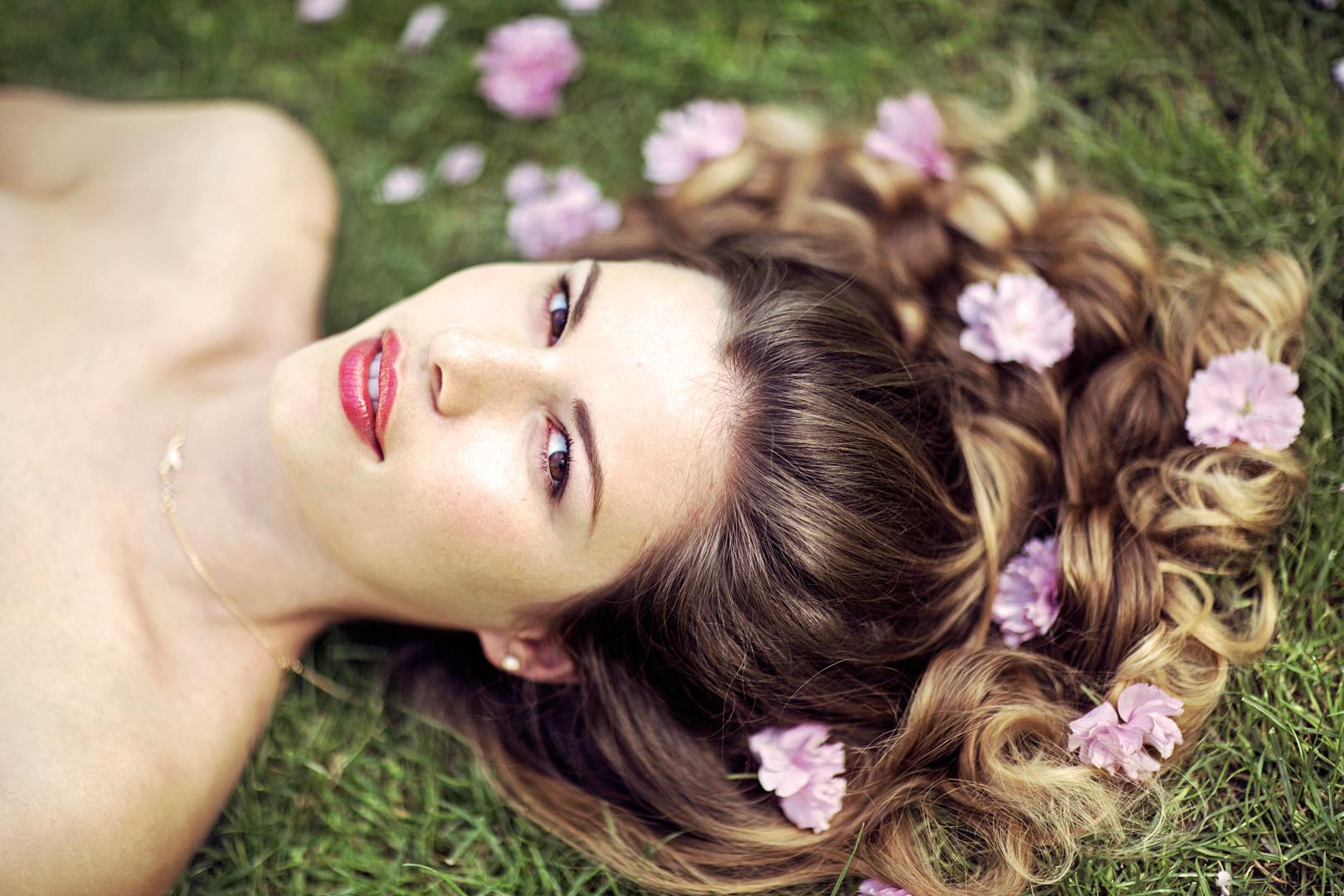 BeautyShootJMoyes4.jpg