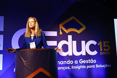 Profª Claudia Costin