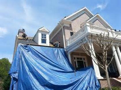 roofing crew pic 2.jpg
