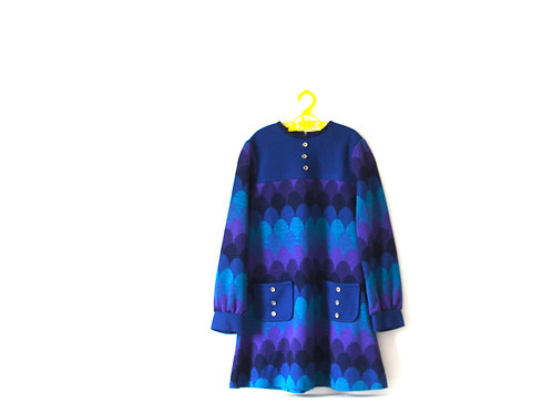Vintage Scalloped 1970's Blue Knit Dress 7 Years