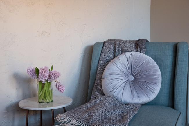 queen-suite-4-armchairjpg