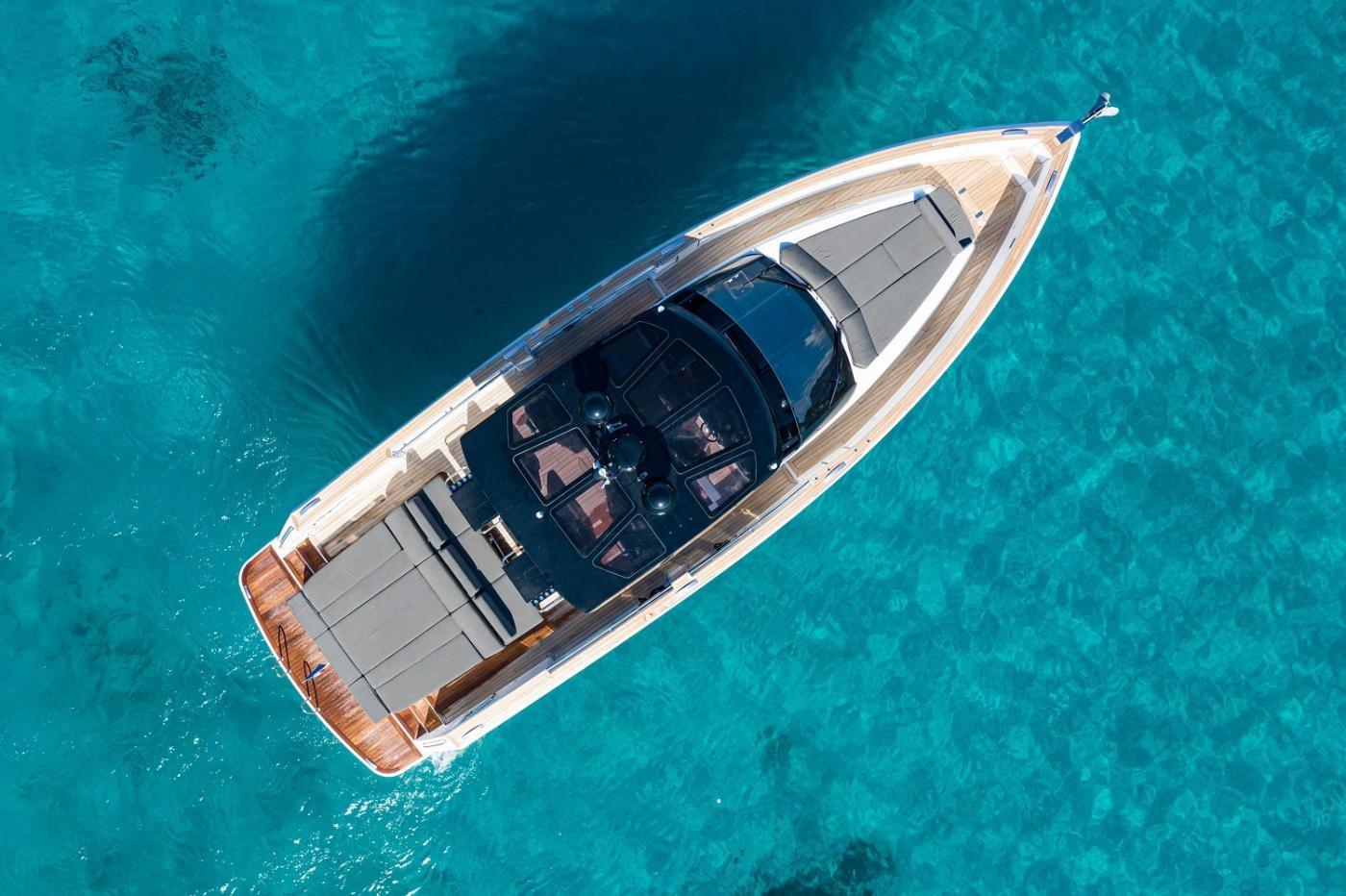 Cannes boat rental Fjord 52