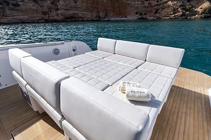 Pardo 38 Cannes grand bain de soleil