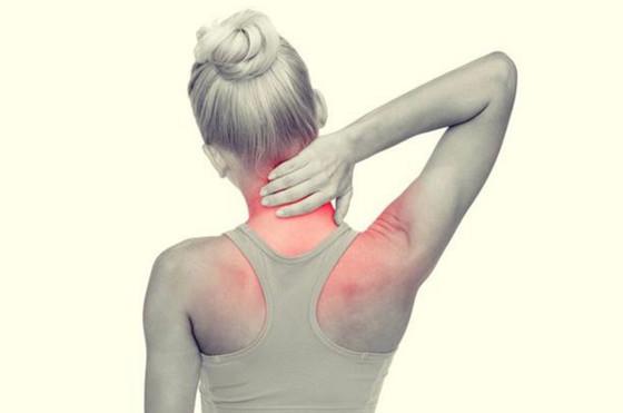 用伸展運動紓緩肩頸背痛