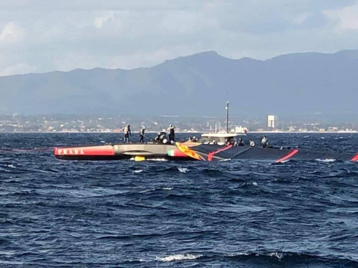 AC36: Photo of the Day — Luna Rossa Prada Pirelli loses their rig overboard while training in Caglia