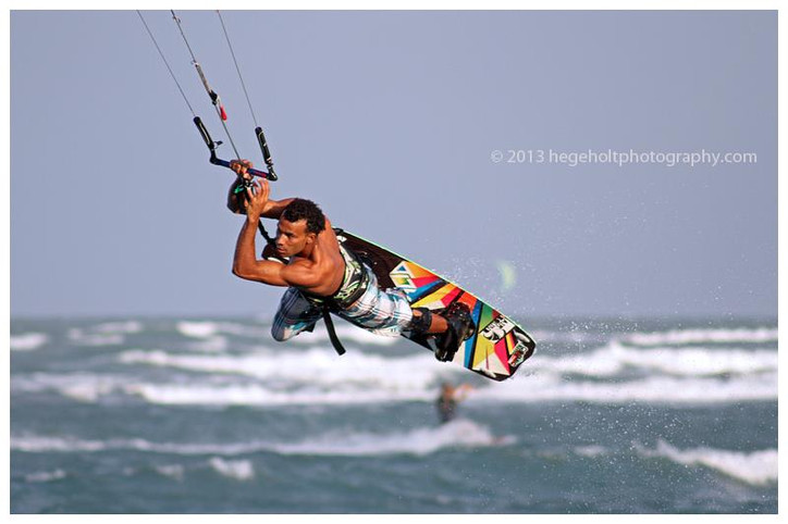 Rules Quiz: Who had the right-of-way, kite surfer Alex Soto (DOM) or the shark?